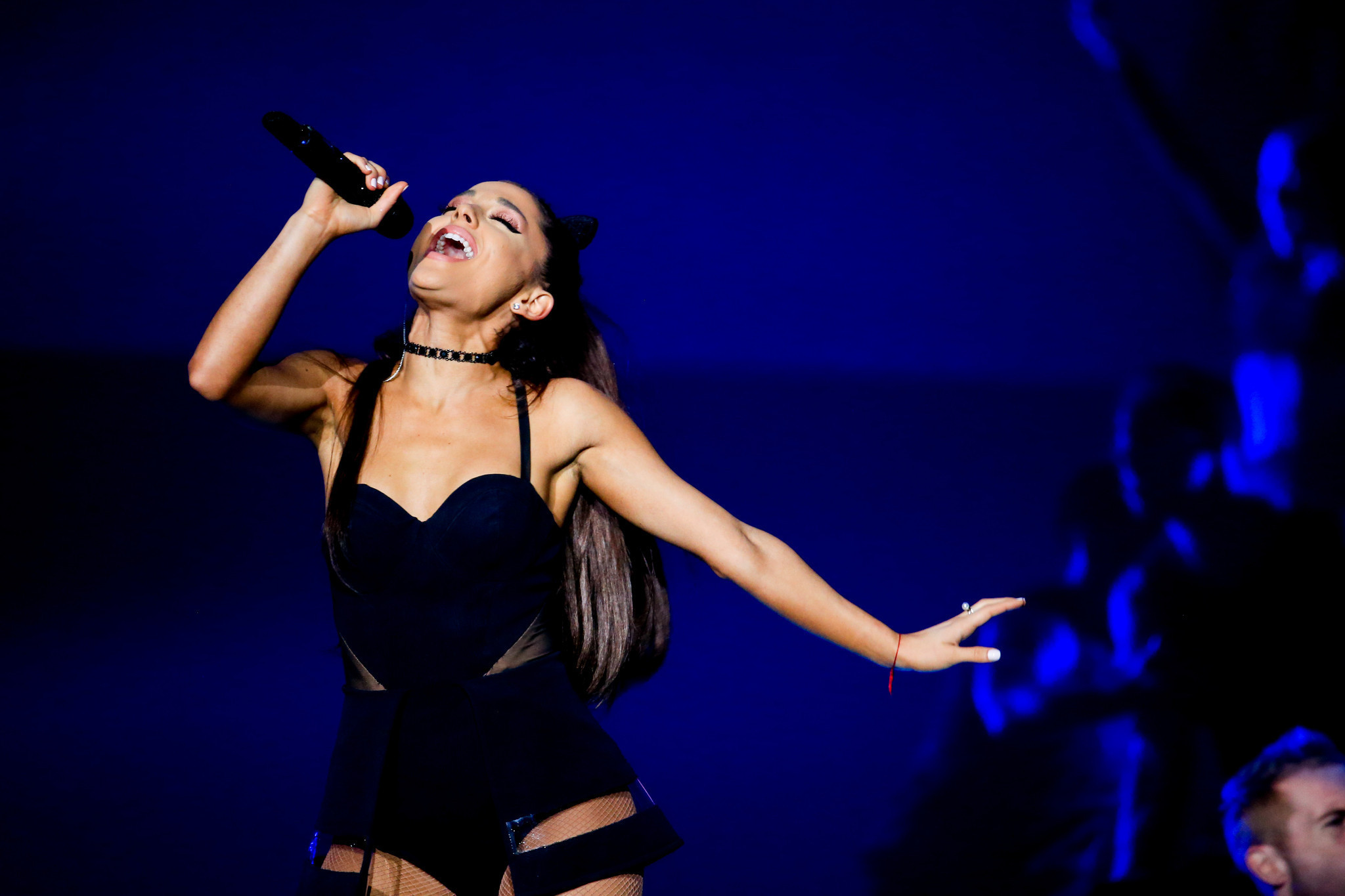 Ariana Grande Stages Polished Show At United Center Chicago Tribune