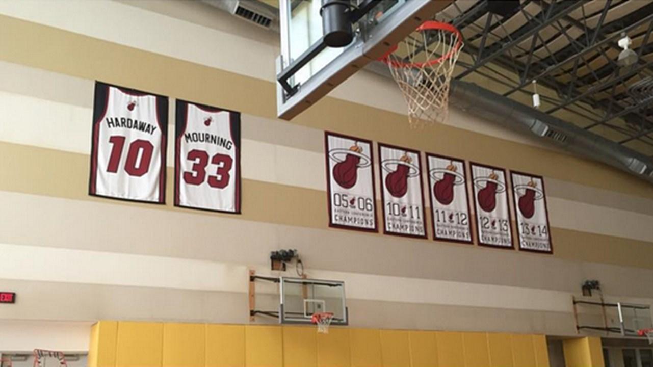 Miami Heat Add Nba Championship Banner To Practice Court