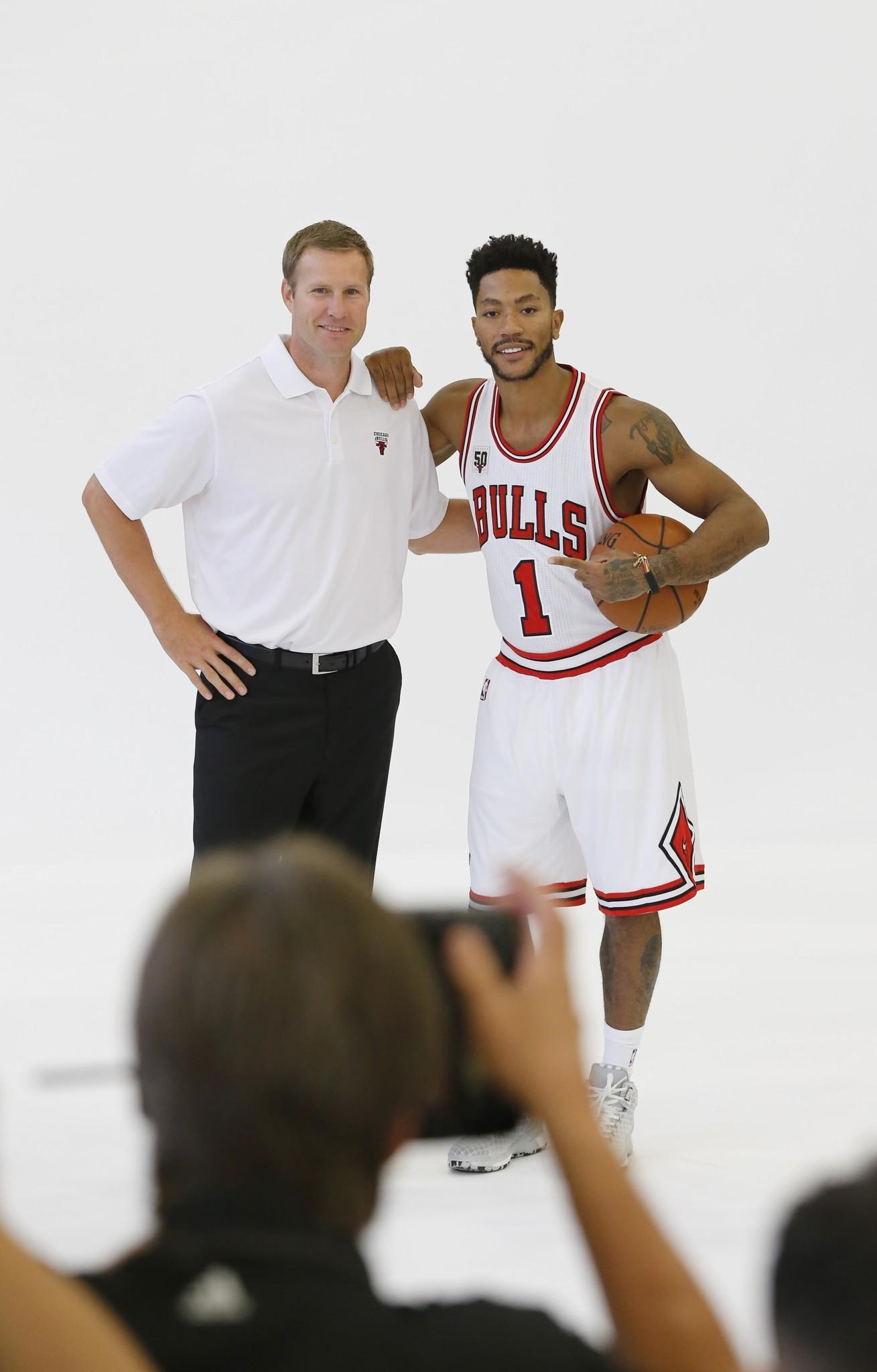 b51c42aa541d Bulls are home schooling injured guard Derrick Rose - Chicago Tribune