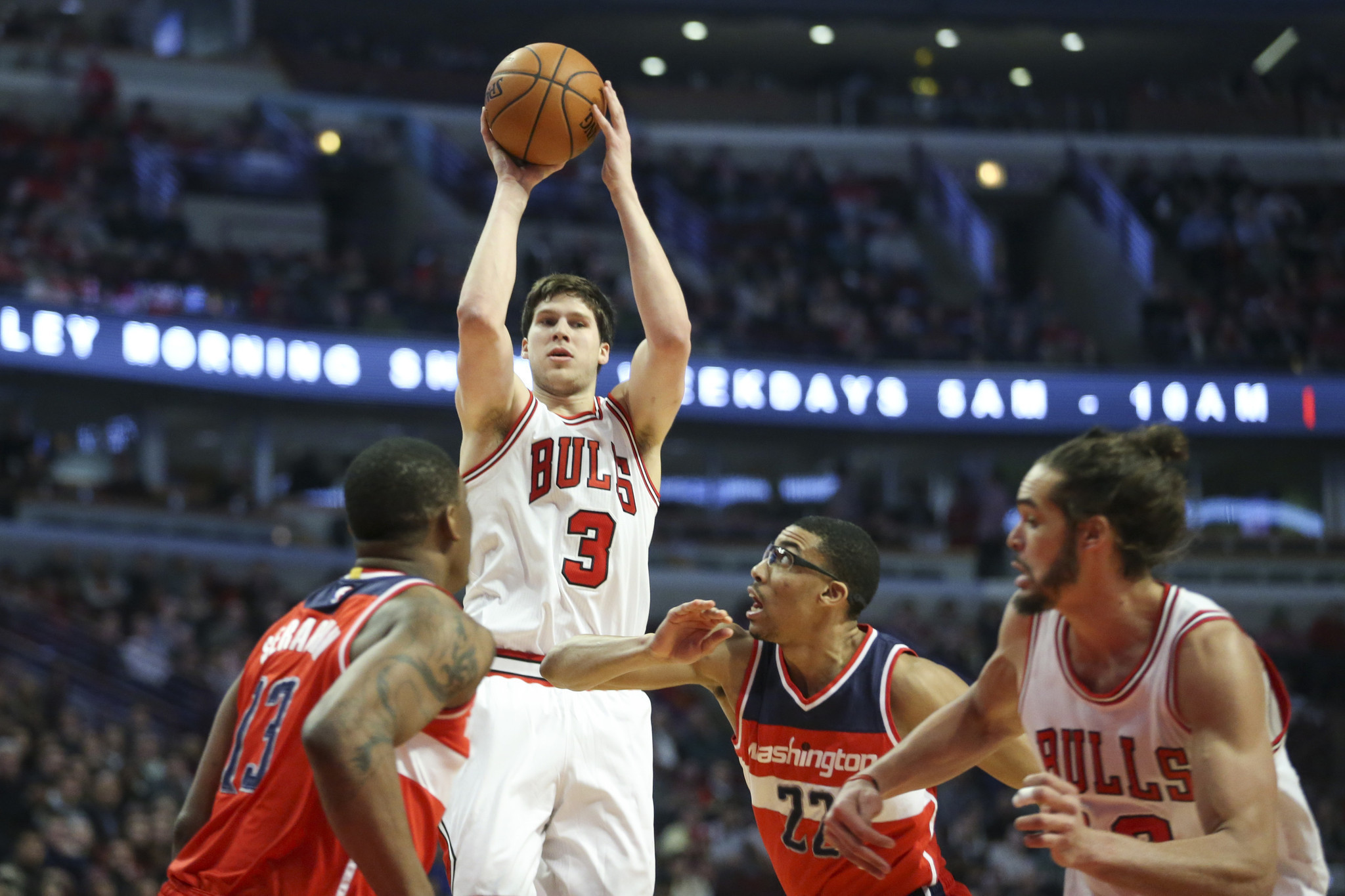 Doug McDermott working on 3-point footwork with coach Fred Hoiberg - Chicago  Tribune e14346a15