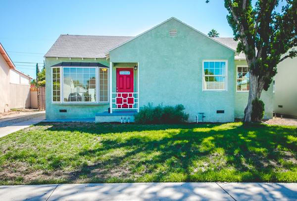 How much house does $425,000 buy in Los Angeles County?