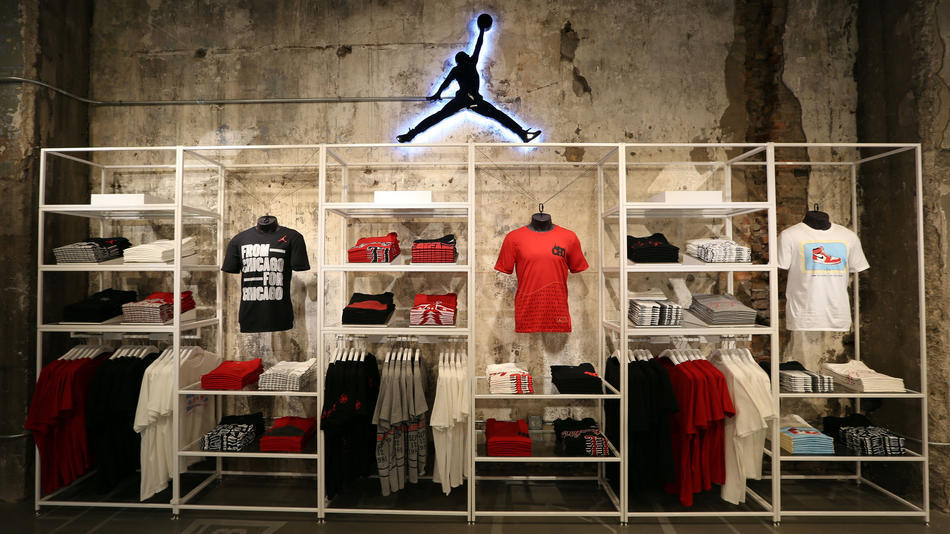 nike to open jordan brand store on state street this week chicago tribune. Black Bedroom Furniture Sets. Home Design Ideas
