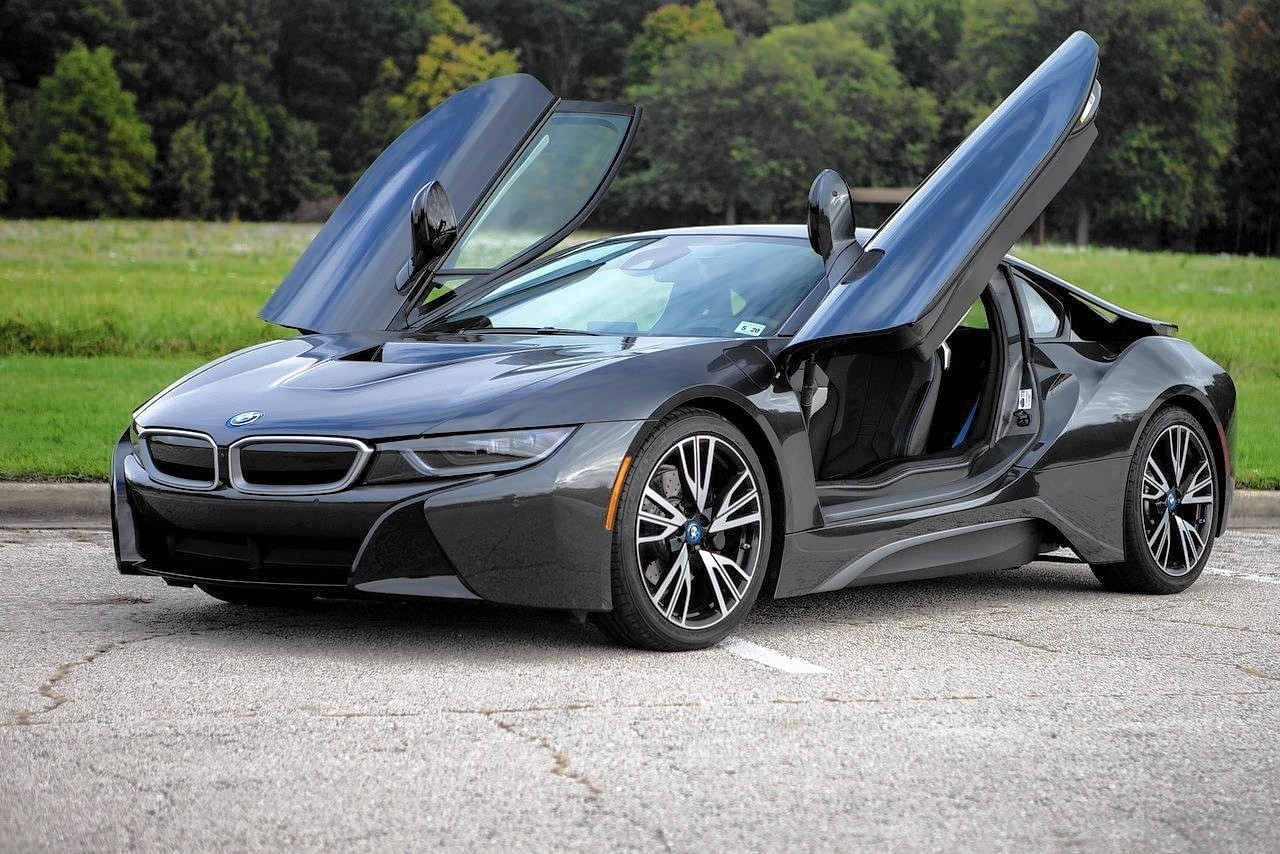 Bmw I8 Plug In Hybrid Impresses As Eco Technology Fails