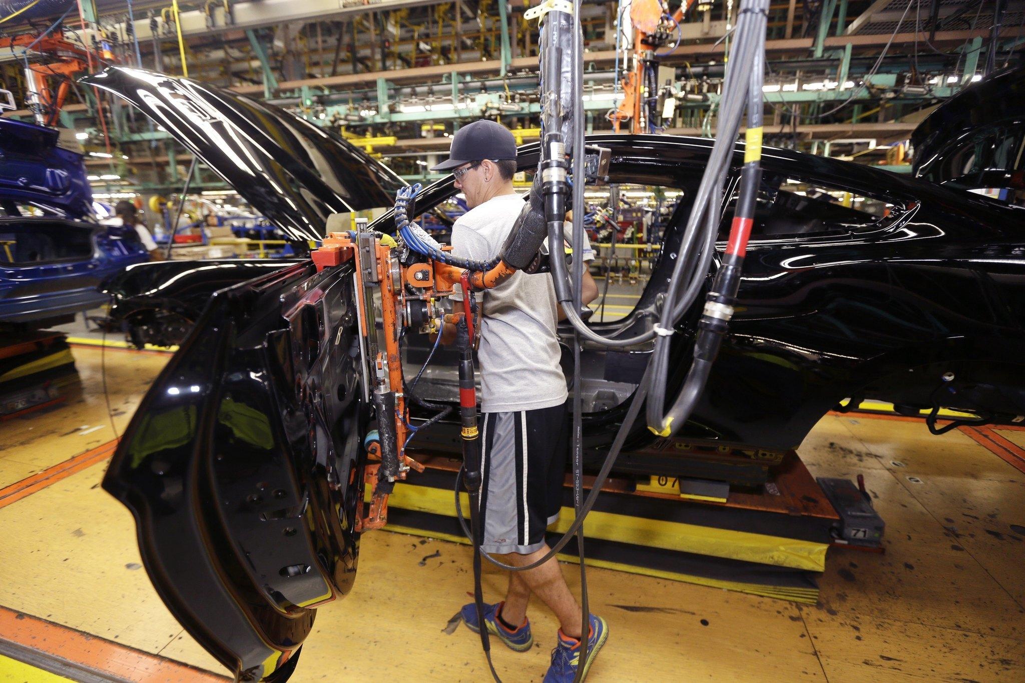 United Auto Workers threaten Detroit General Motors strike ...