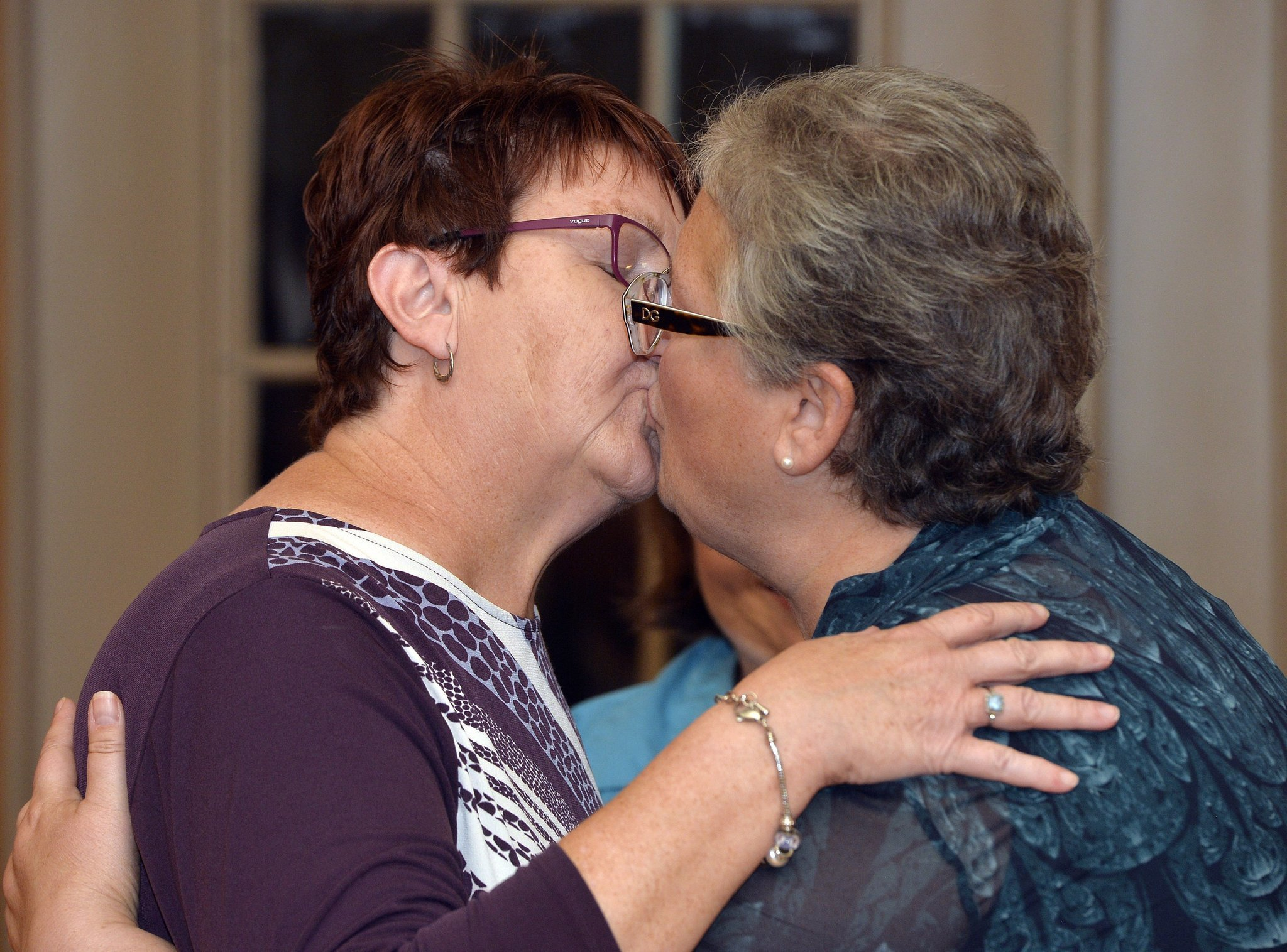 Couple Who Sued Kentucky Clerk Kim Davis Gets Married -1667