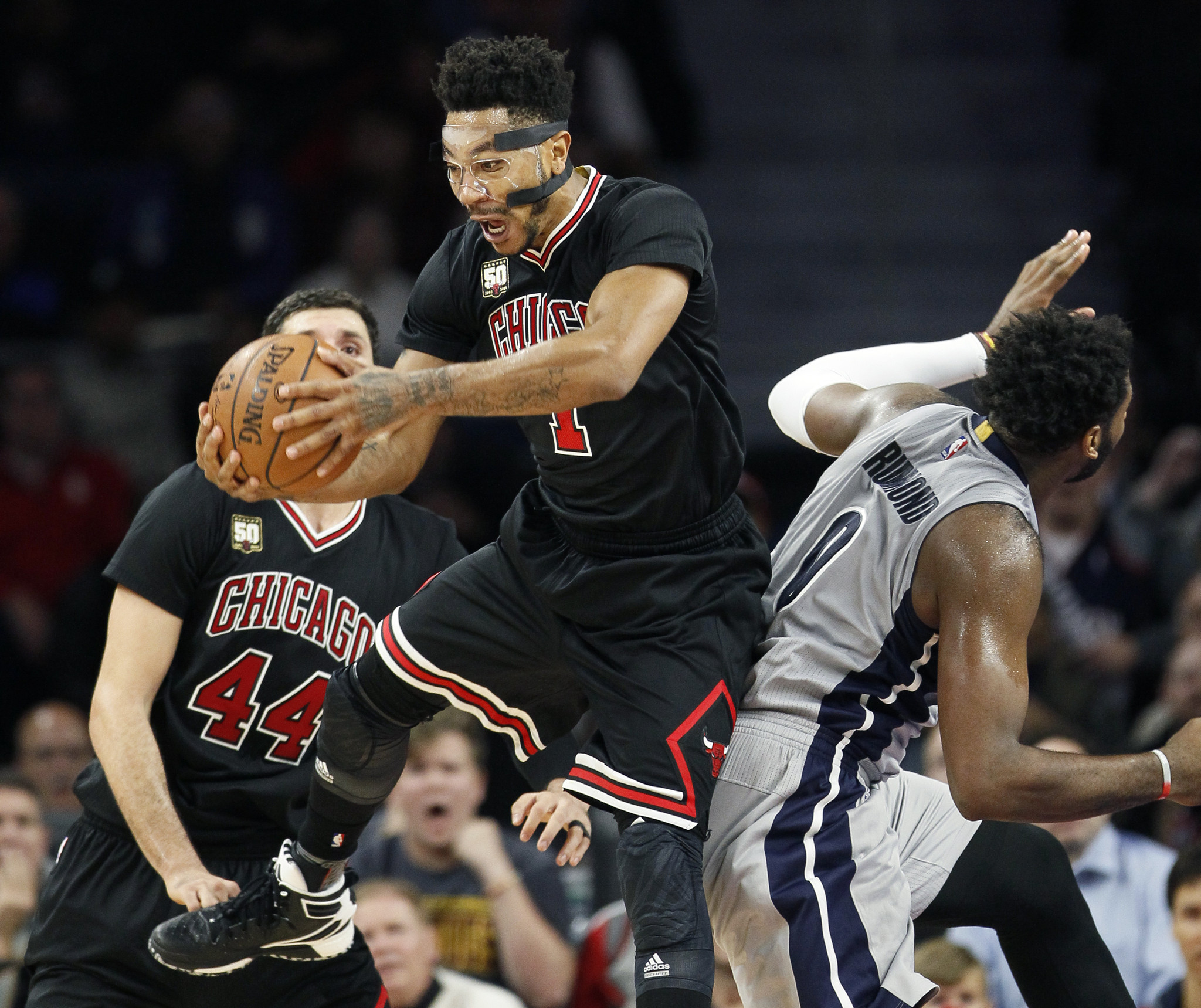 5da271c8051 Air goes out of Bulls after Derrick Rose air ball brings on overtime ...