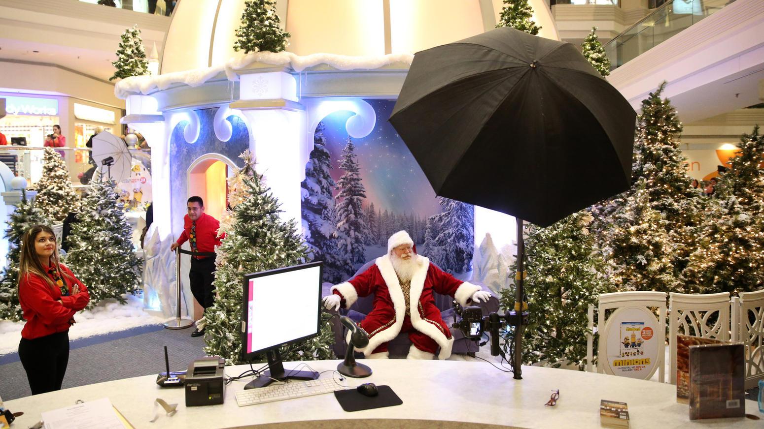 Marketing Santa at Woodfield Mall | The Quark In The Road