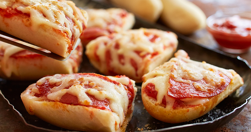Pizza Olive Garden Menu: Breadstick Pizzas Coming To Olive Garden Starting Saturday