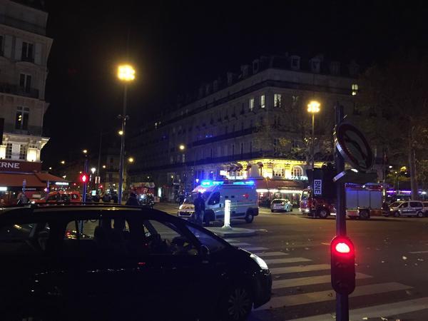 Scene in central Paris (Aaron Harris)