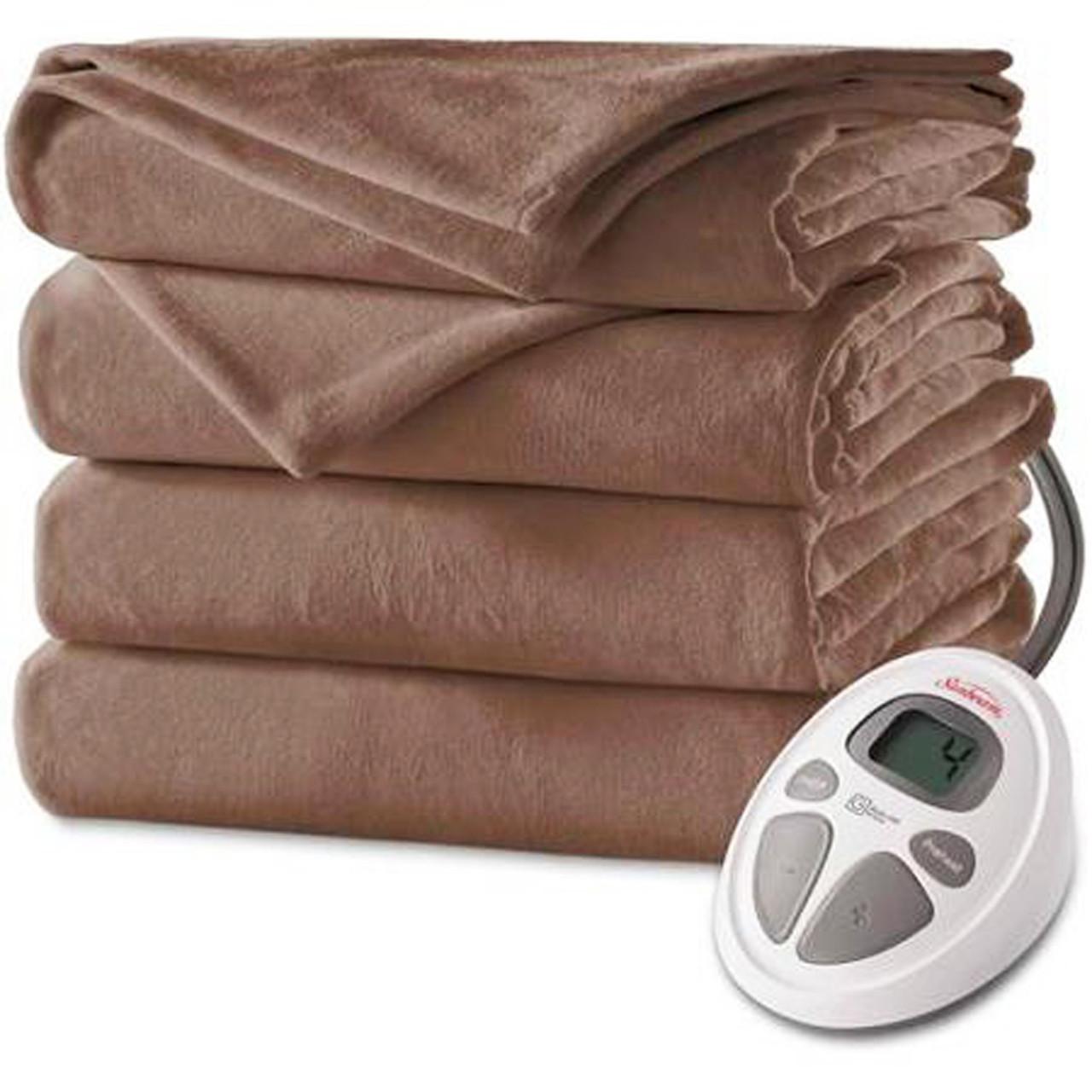Moms Gear  Sunbeam Velvet Plush Heating Blanket should definitely keep you  warm at night - Sun Sentinel f1427f6d9