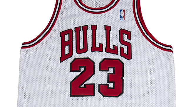 9dd251f0c53 Michael Jordan '98 Bulls jersey goes for record $173K - Chicago Tribune