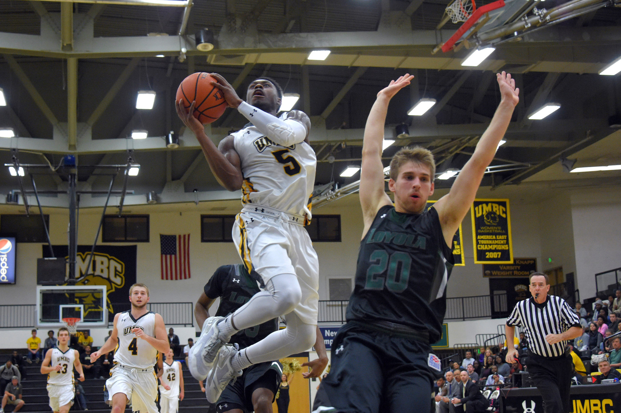 043716dca9a Loyola-UMBC men's basketball - Baltimore Sun