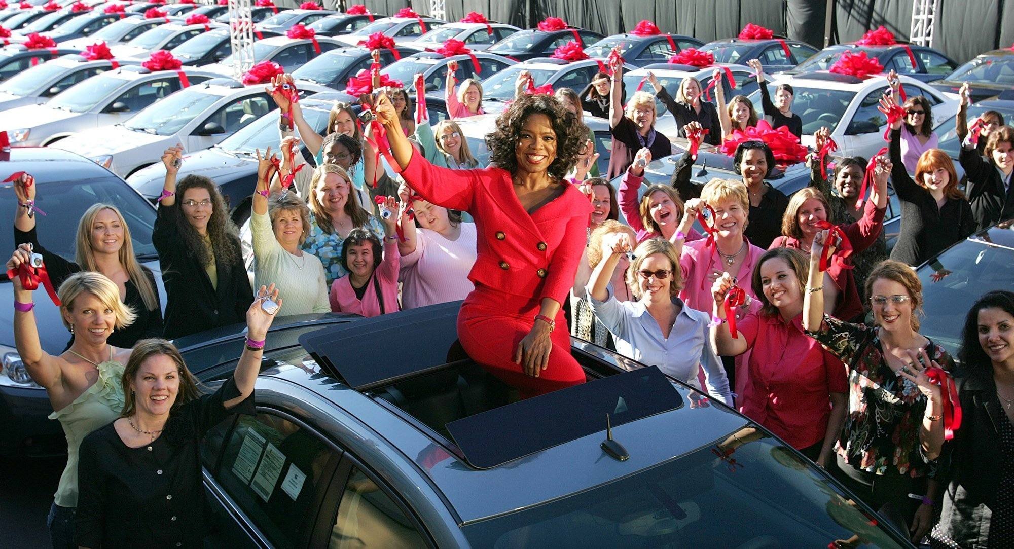 oprah winfrey revisits famous 2004 car giveaway chicago tribune. Black Bedroom Furniture Sets. Home Design Ideas