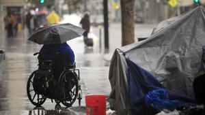 Op-Ed: Preparing to declare a 'local emergency' could save L.A.'s homeless people when El Niño rains hit