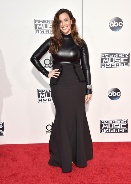 Alanis Morissette arrives at the American Music Awards at the Microsoft Theater. (Jordan Strauss/Invision/AP)