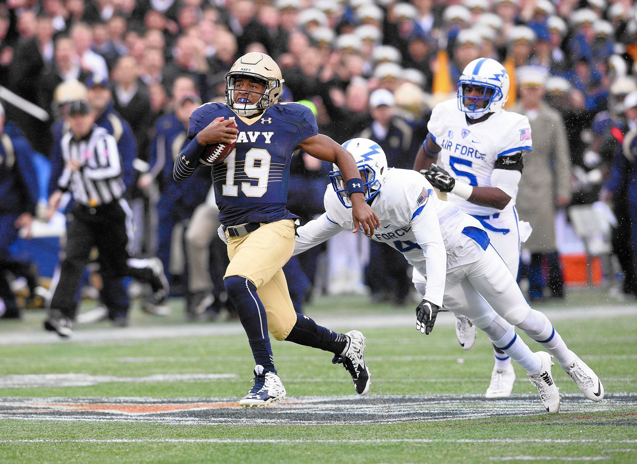 57c7b2e6b16 Navy now formally promoting Keenan Reynolds for Heisman Trophy ...