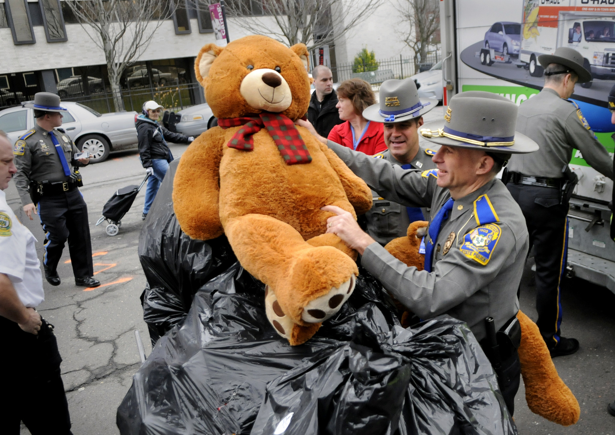 Connecticut Toy And Clothing Drives - Hartford Courant