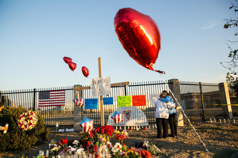 A memorial for victims of the attack in San Bernardino. (Marcus Yam / Los Angeles Times)