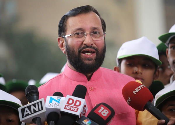 Indian Minister of State Environment, Forest and Climate Change, Prakash Javadekar, speaks in New Delhi on Nov. 27, ahead of the COP 21 conference. (Rajat Gupta / EPA)