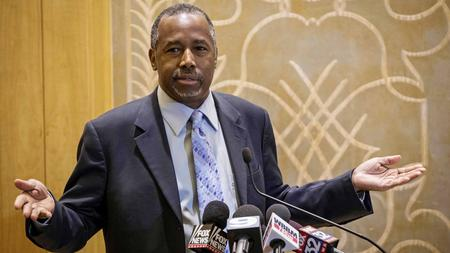 Republican presidential candidate Ben Carson takes questions from reporters Thursday at the Peninsula Hotel in Chicago. (Rich Hein / Associated Press)