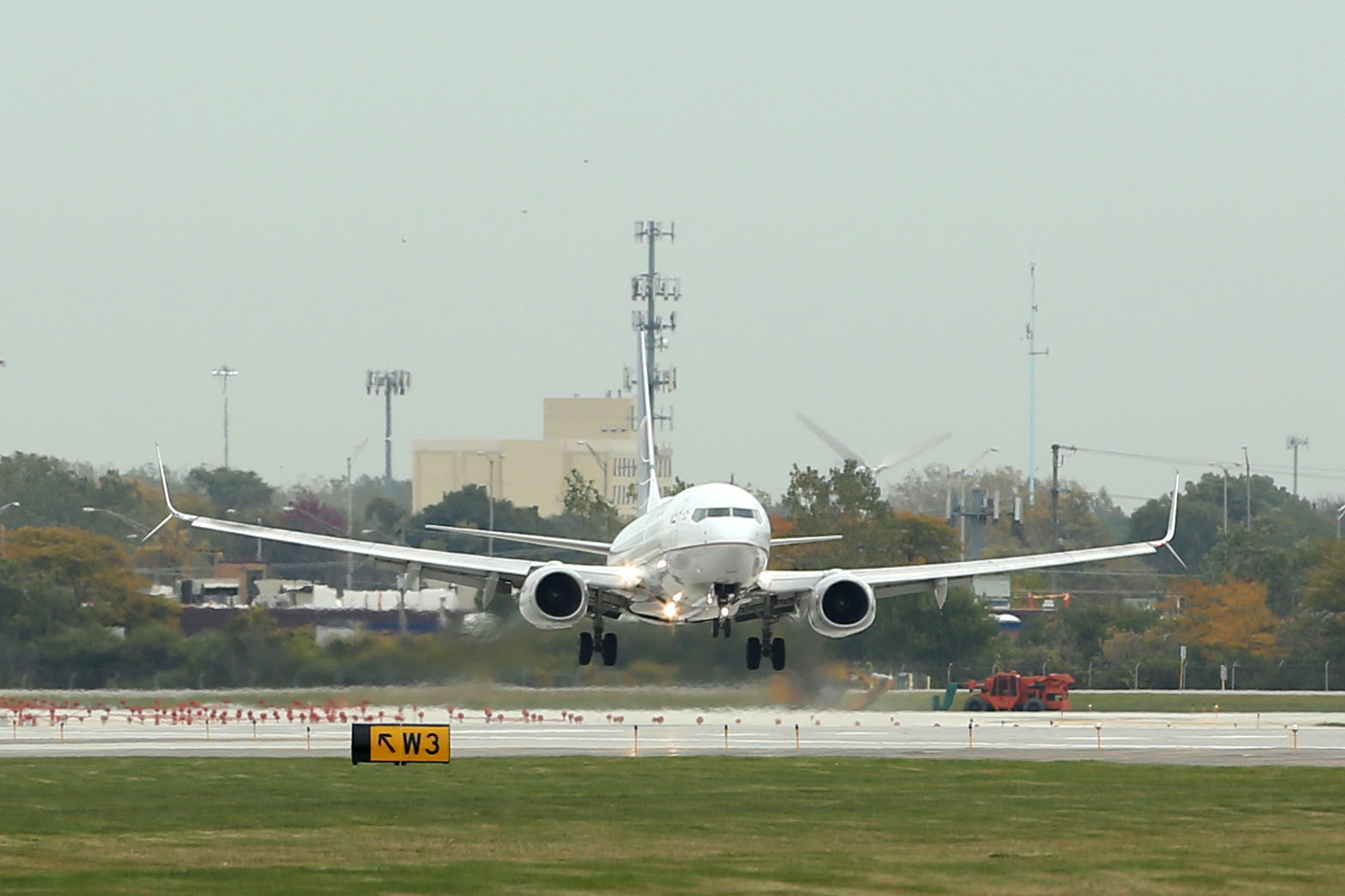 4dd7868010d8 Airlines padding O Hare schedules despite new runways - Chicago Tribune