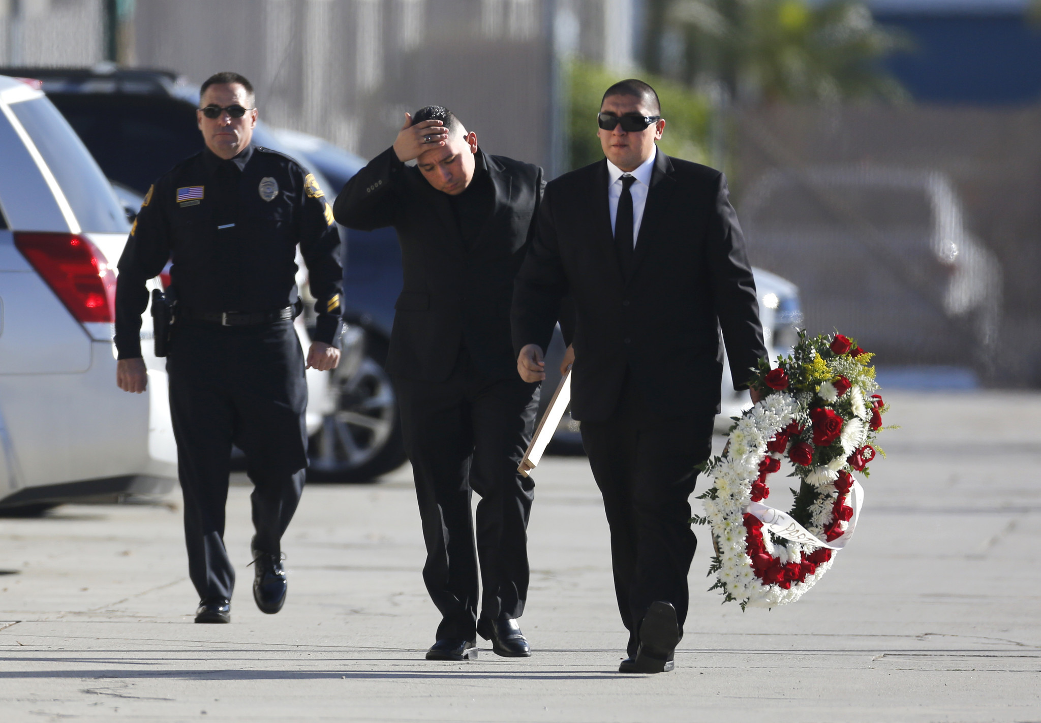 Couple behind San Bernardino terrorist attack is buried in Southern California - Hoy