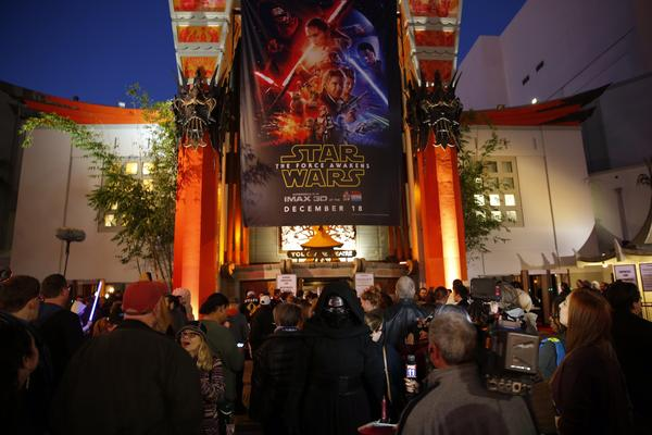Star Wars: The Force Awakens': The tweets, the memes, the fan reactions - Los Angeles Times