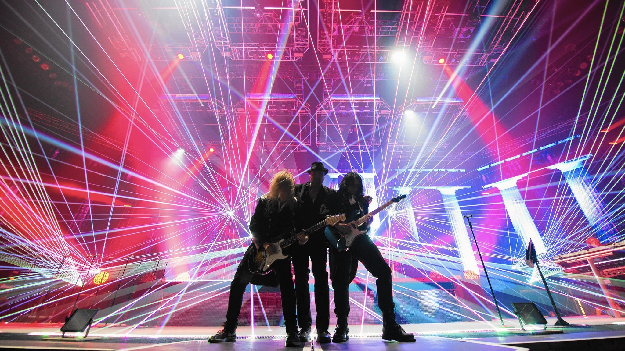 trans siberian orchestra resurrects 39 ghosts 39 at philadelphia show the morning call. Black Bedroom Furniture Sets. Home Design Ideas