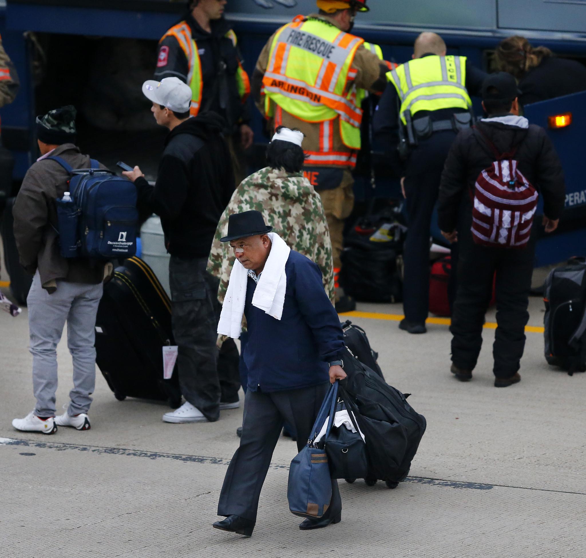 1 Dead, 17 Injured In Greyhound Bus Crash In North Texas