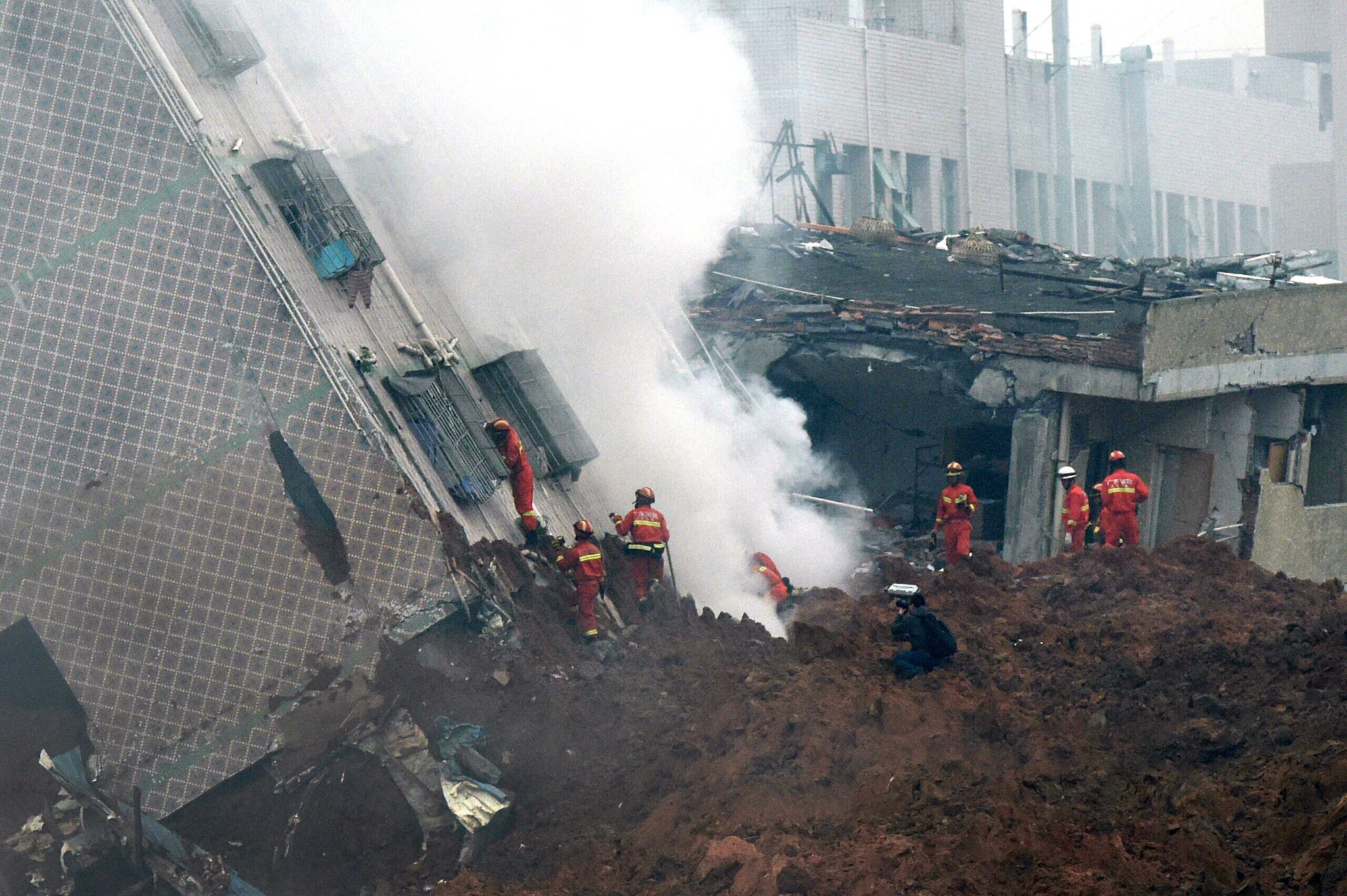 85 missing from China landslide; residents blame government - Chicago  Tribune