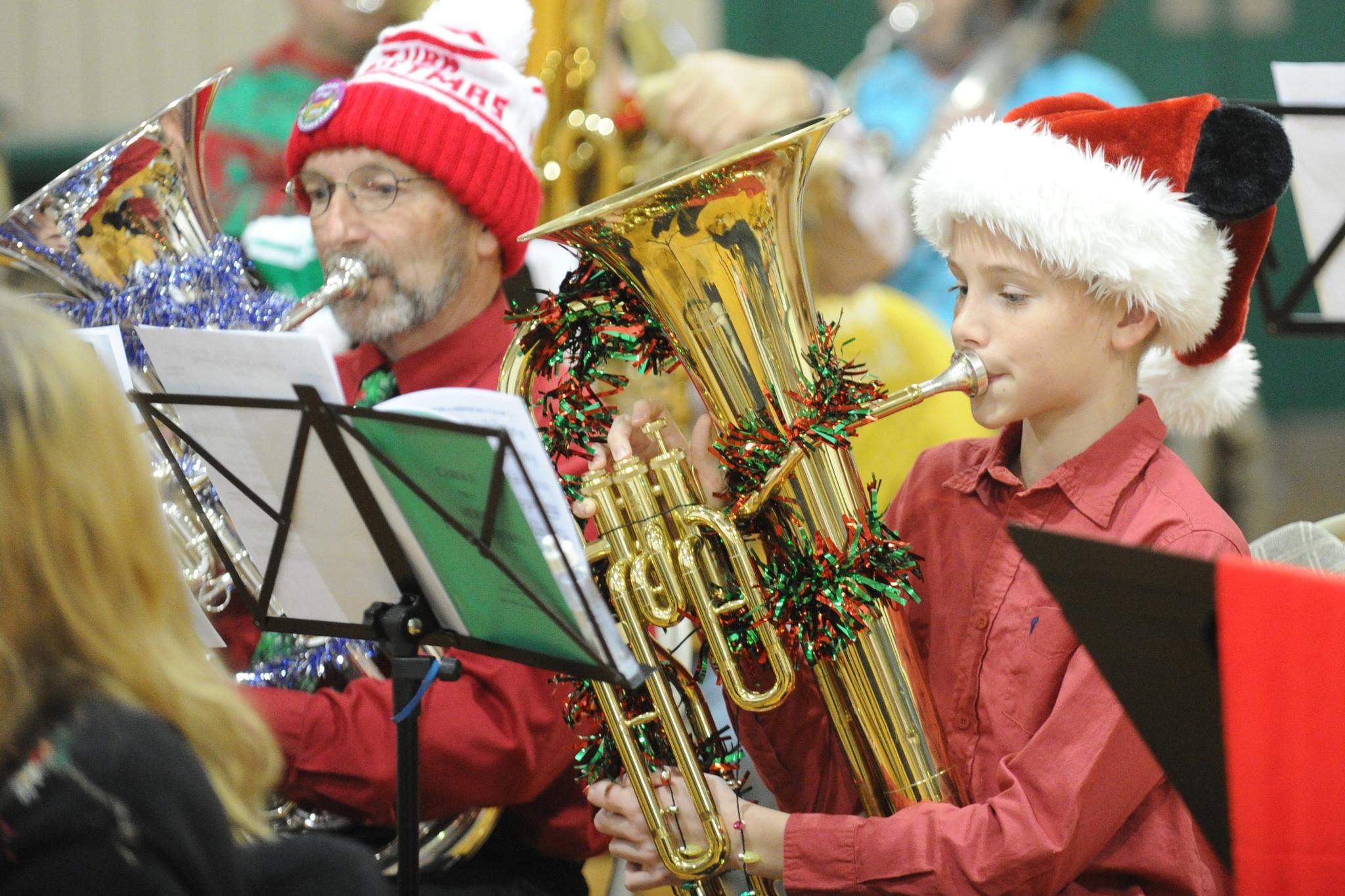 Tuba Christmas.Tuba Christmas Draws Hundreds To Bel Air Armory Baltimore Sun