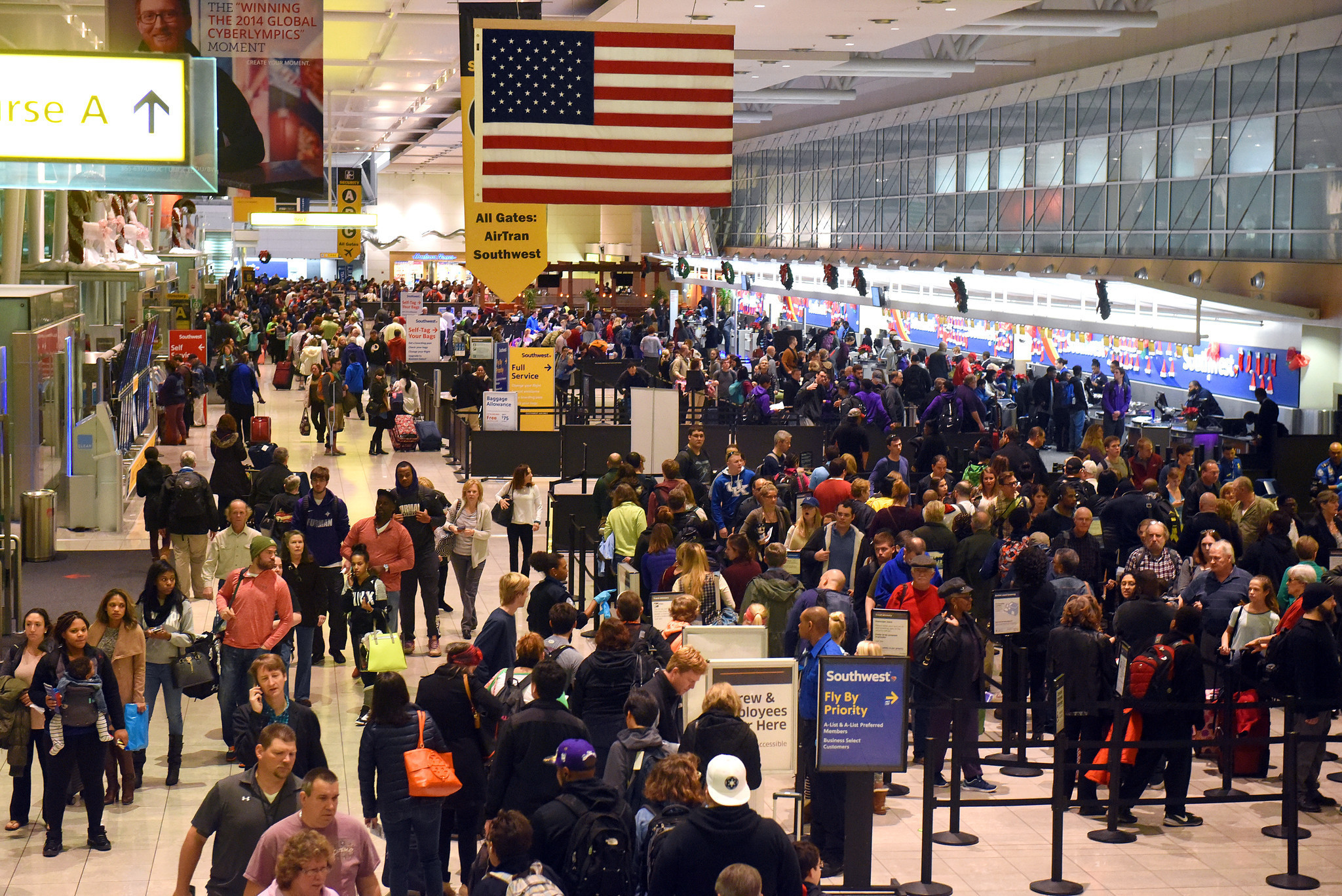 Bwi Bustling On Busiest Travel Day Of Christmas Season