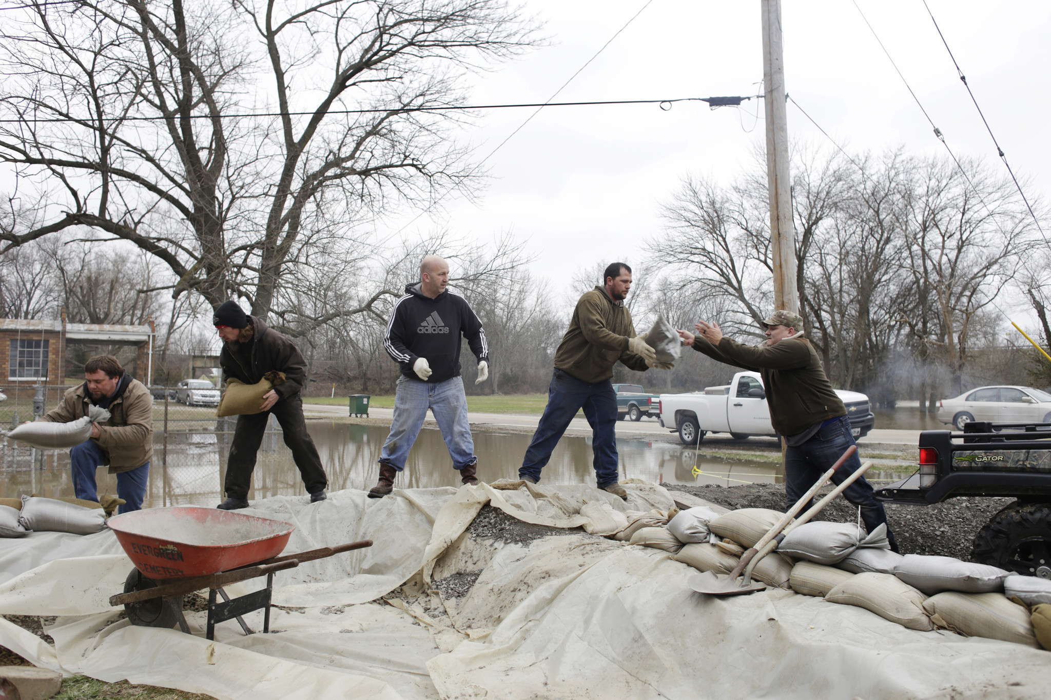 Mississippi River Towns On High Alert Even As Flooding