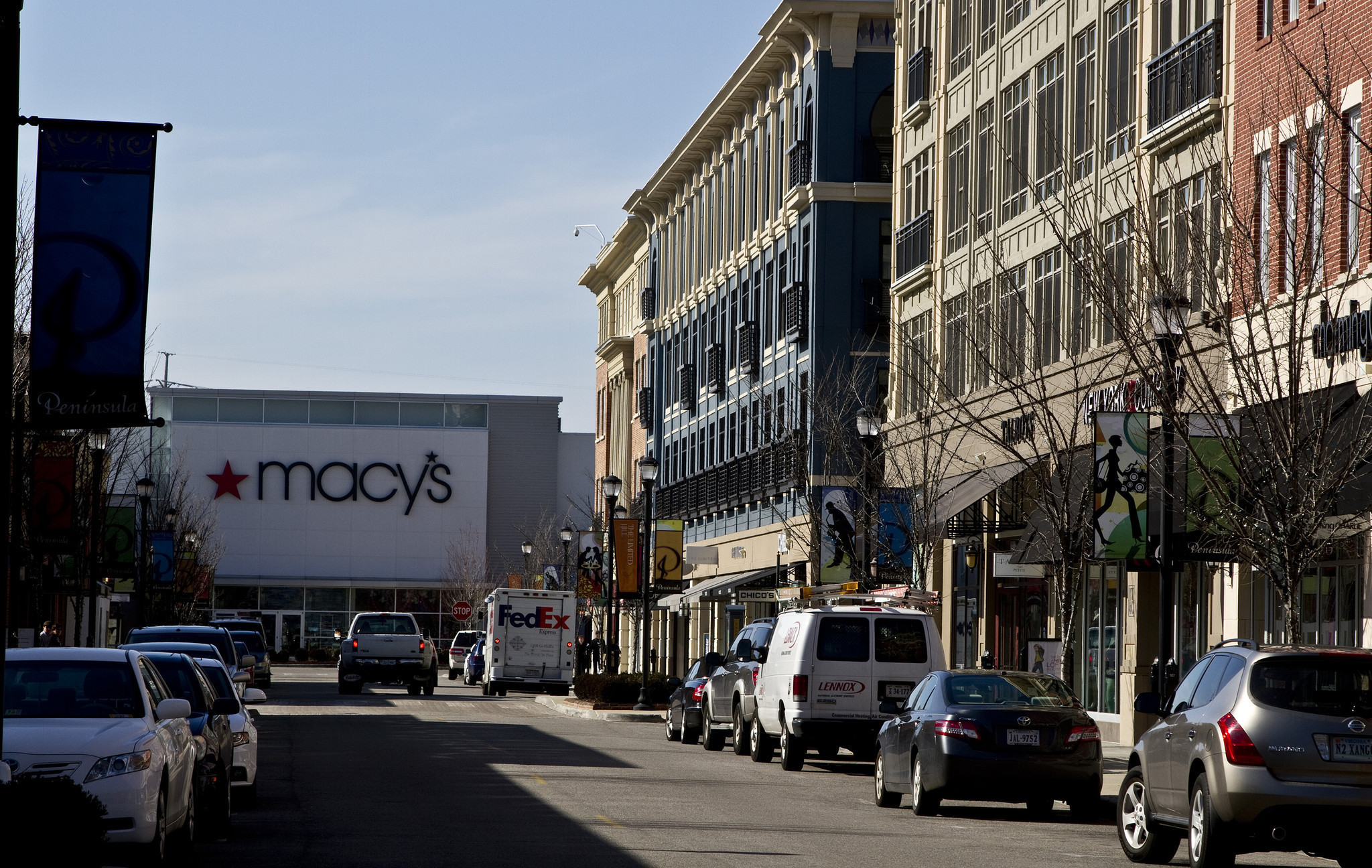 Macy S Plans To Close Peninsula Town Center Store Daily