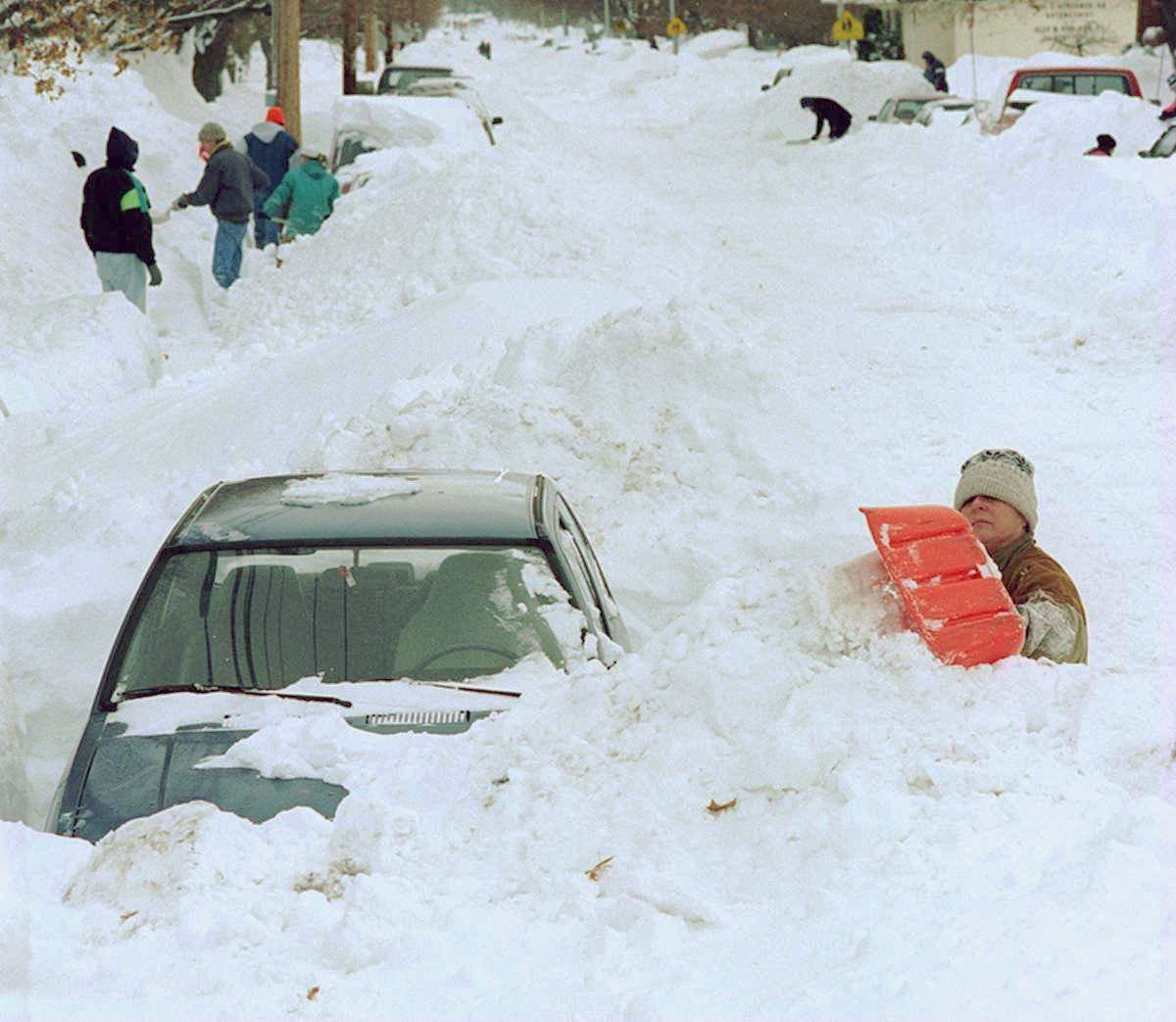 PICTURES: Relive the Blizzard of '96 that buried the ...