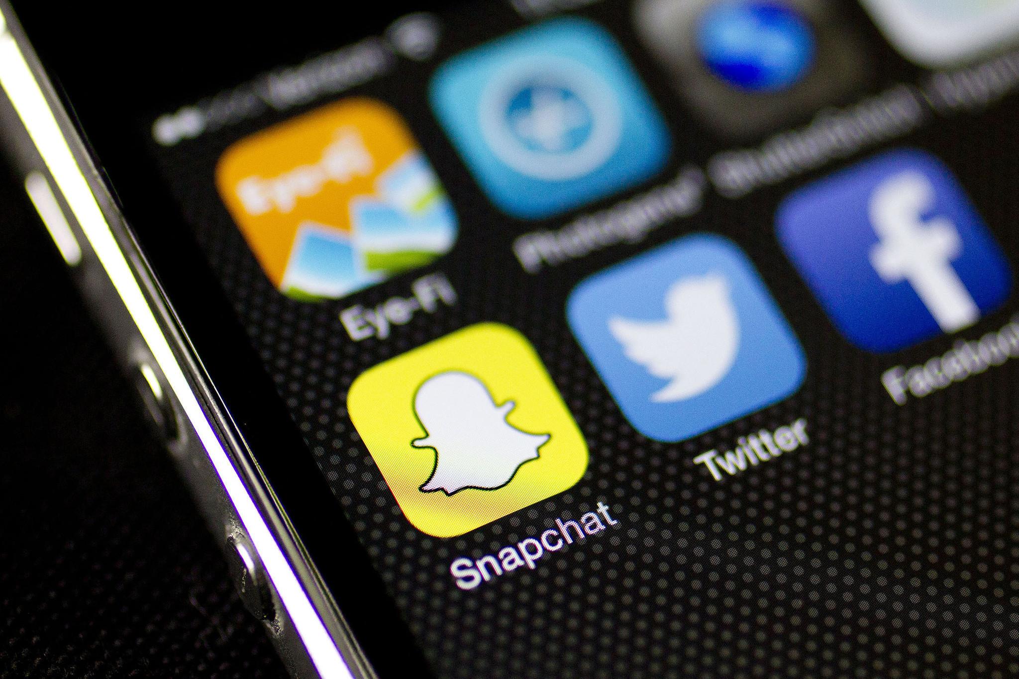 Αποτέλεσμα εικόνας για Keep It Clean: Social Media Screenings Gain in Popularity