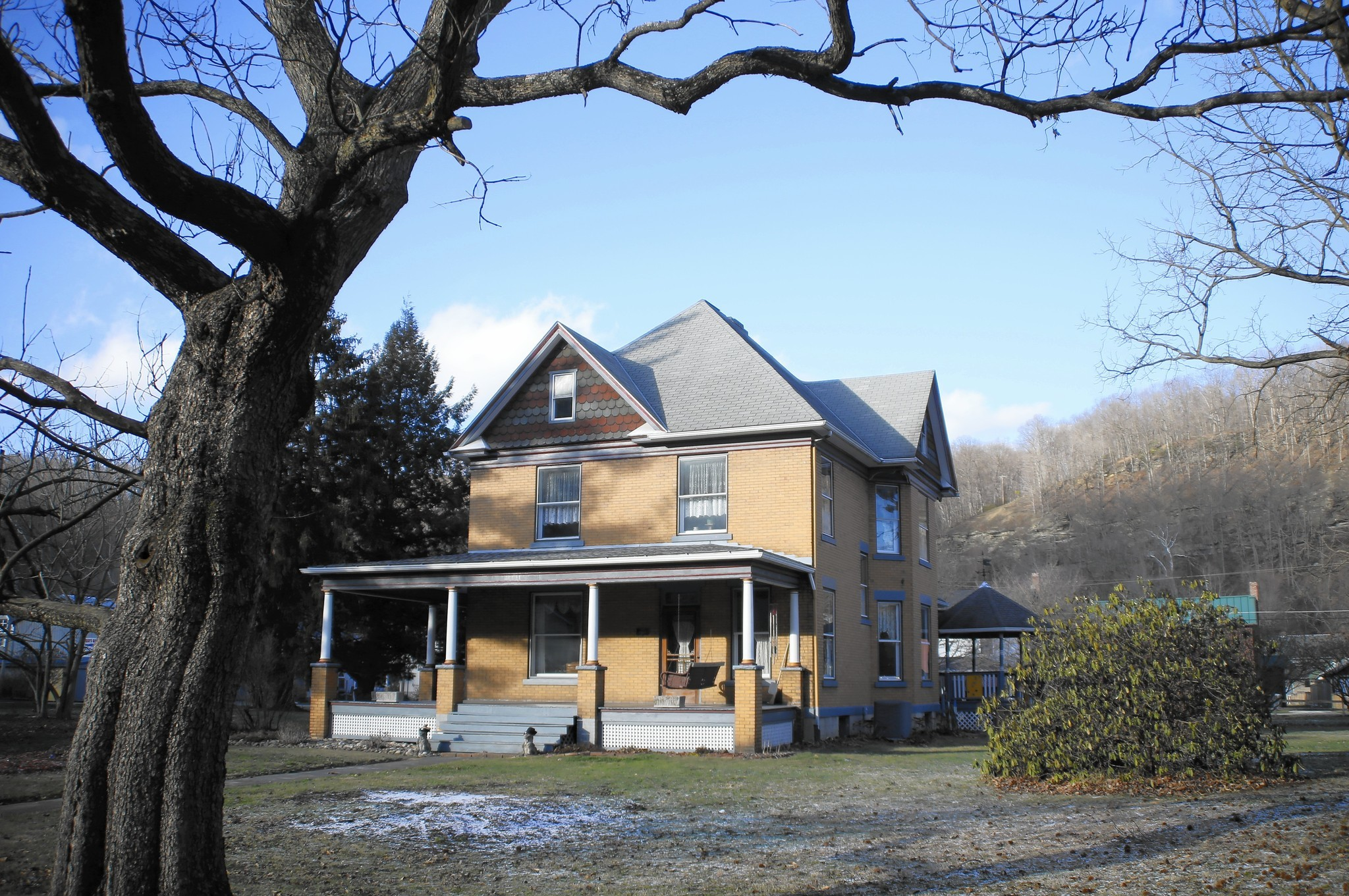 Pa Couple Struggles To Sell Silence Of The Lambs House