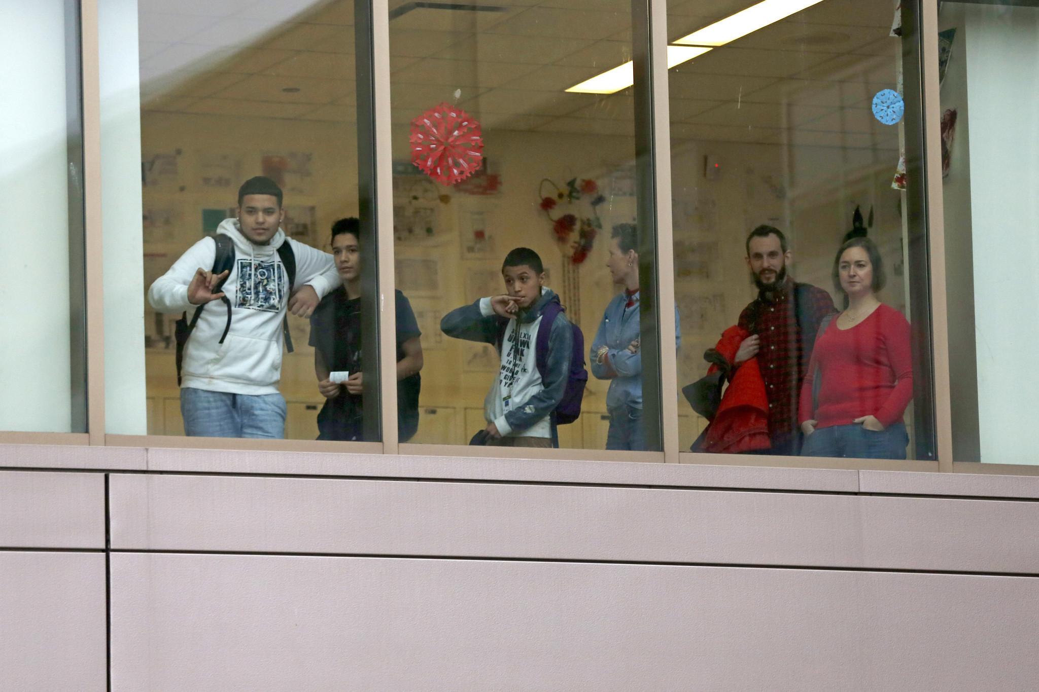 Best Photography Schools >> Students march to Benito Juarez High School - Chicago Tribune