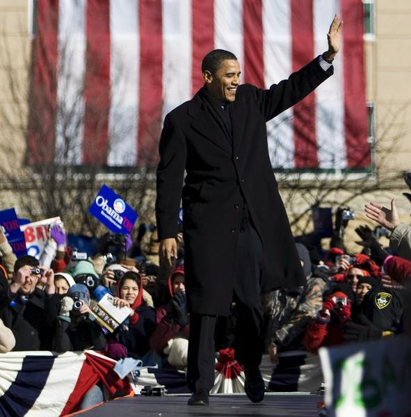 Then-Sen. Barack Obama arrives at the site of the Old Capitol building in Springfield, Ill, on Feb. 10, 2007, to announce his first campaign for president. (Tannen Maury / European Pressphoto Agency)