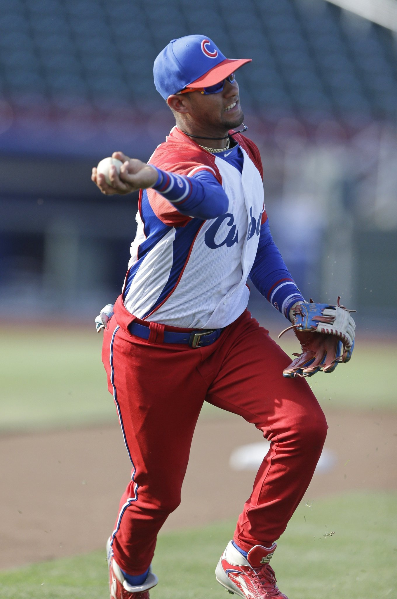 Top Cuban baseball player, brother leave team in Dominican ...