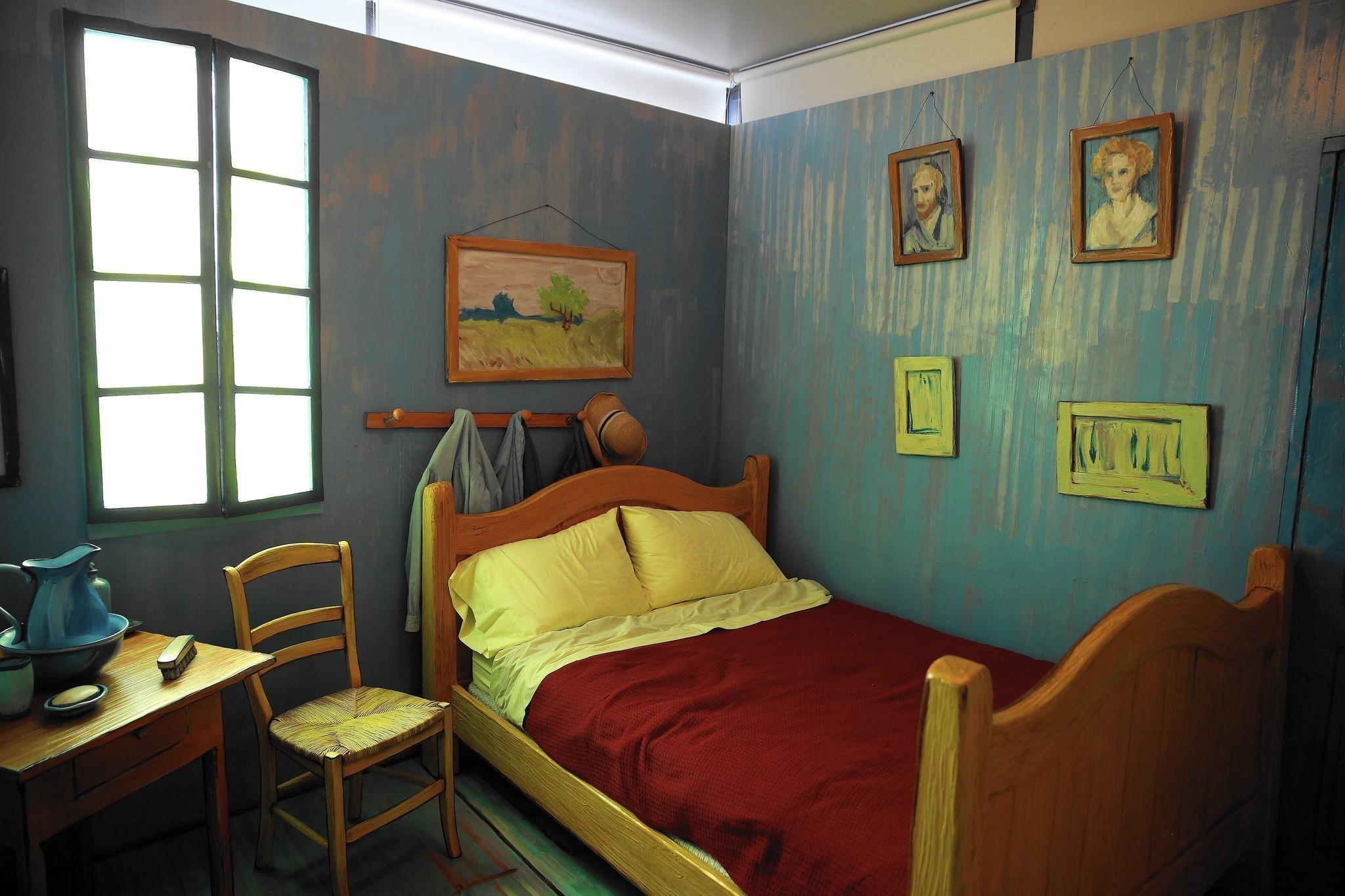 Inside Van Gogh's newest bedroom - Chicago Tribune