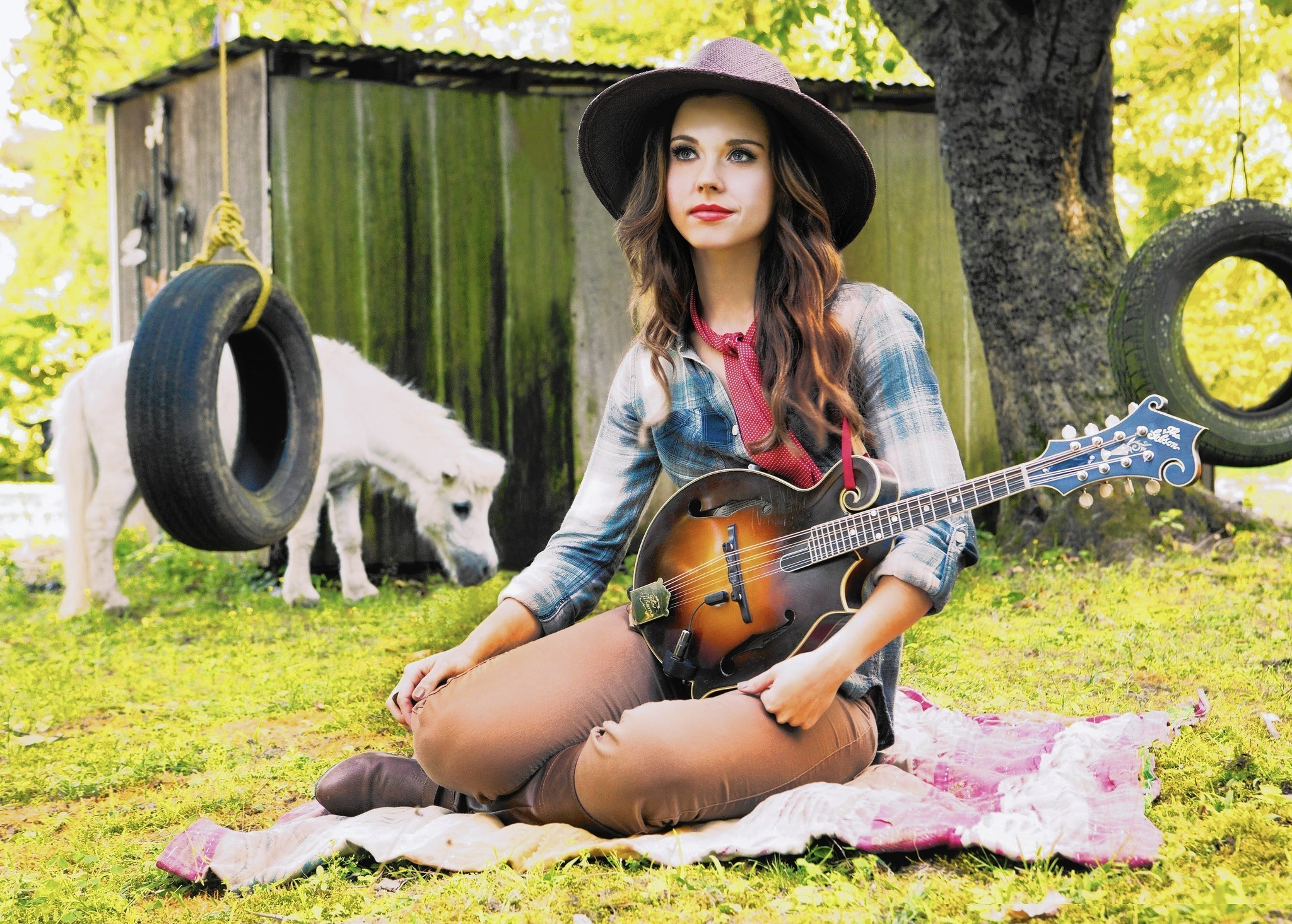 How Bluegrass Prodigy Sierra Hull Turned Frustration Into