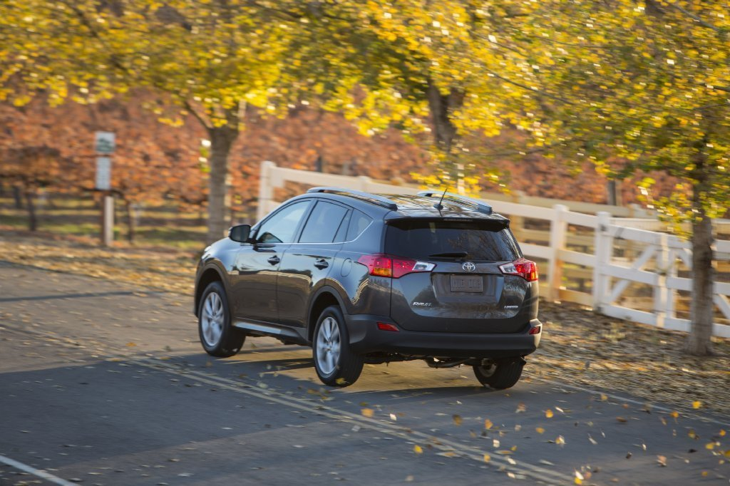 toyota recalls 1 1 million rav4s in u s for possible seat belt failure the morning call. Black Bedroom Furniture Sets. Home Design Ideas