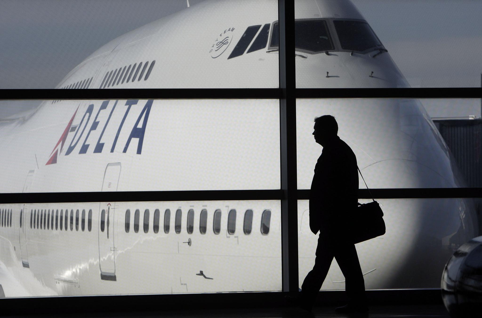 Flight turns into 30-hour ordeal for Delta passengers - Chicago Tribune 7843898970397