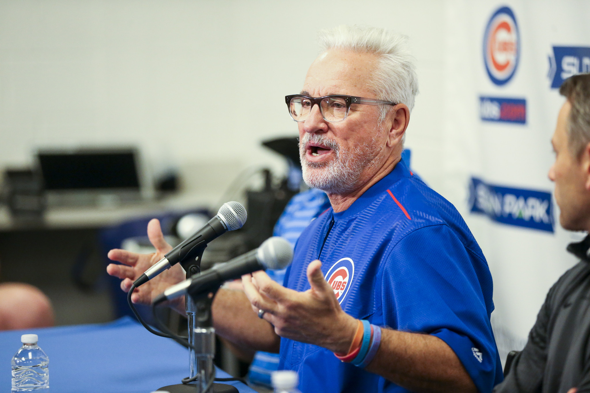 Managing expectations for hyped Cubs is Joe Maddon's ...