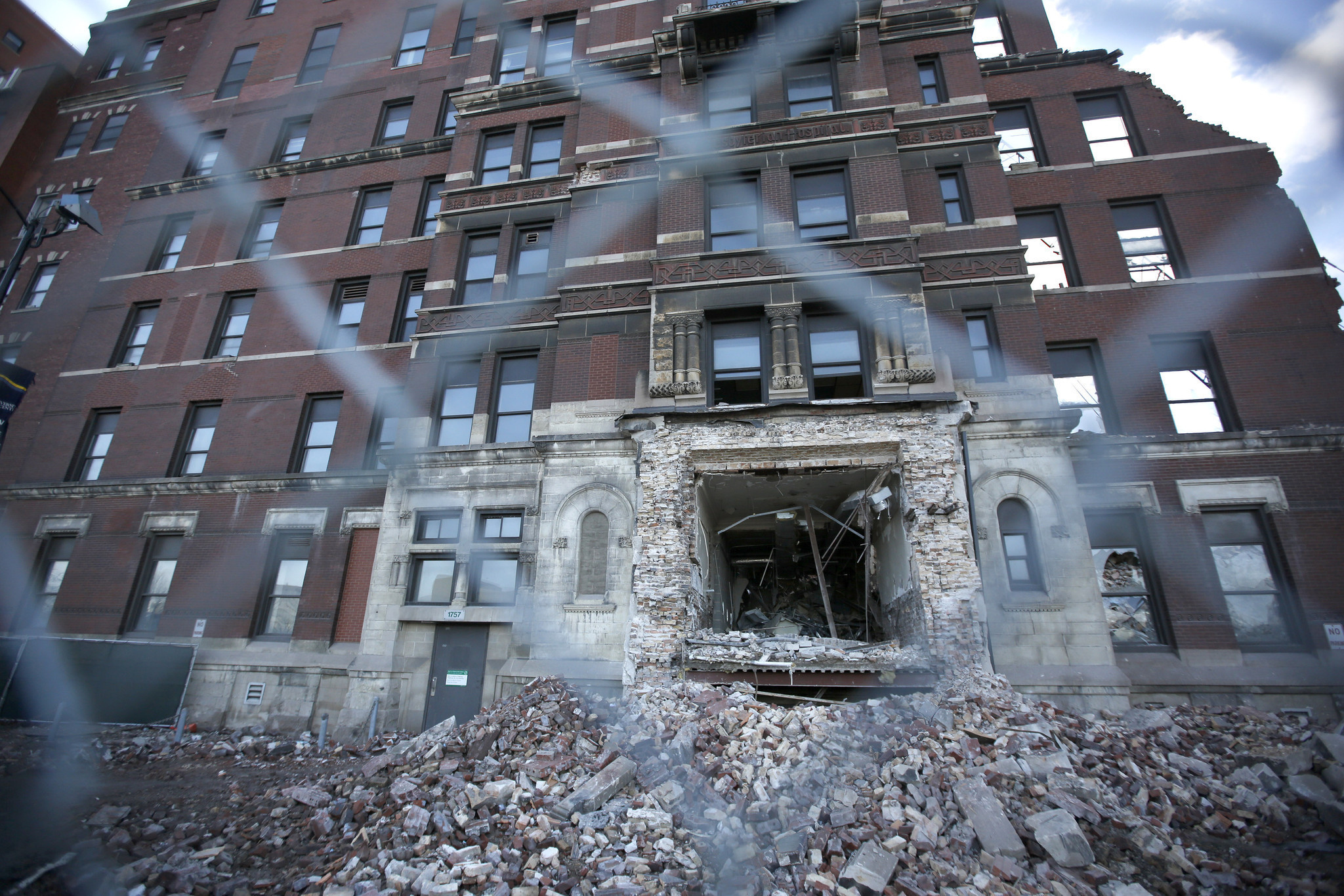 Medical Alert Reviews >> Turn-of-the-century era buildings demolished - Chicago Tribune