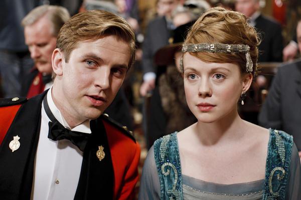 Dan Stevens as Matthew Crawley and Zoe Boyle as Lavinia Swire. Rest in peace, you crazy kids.