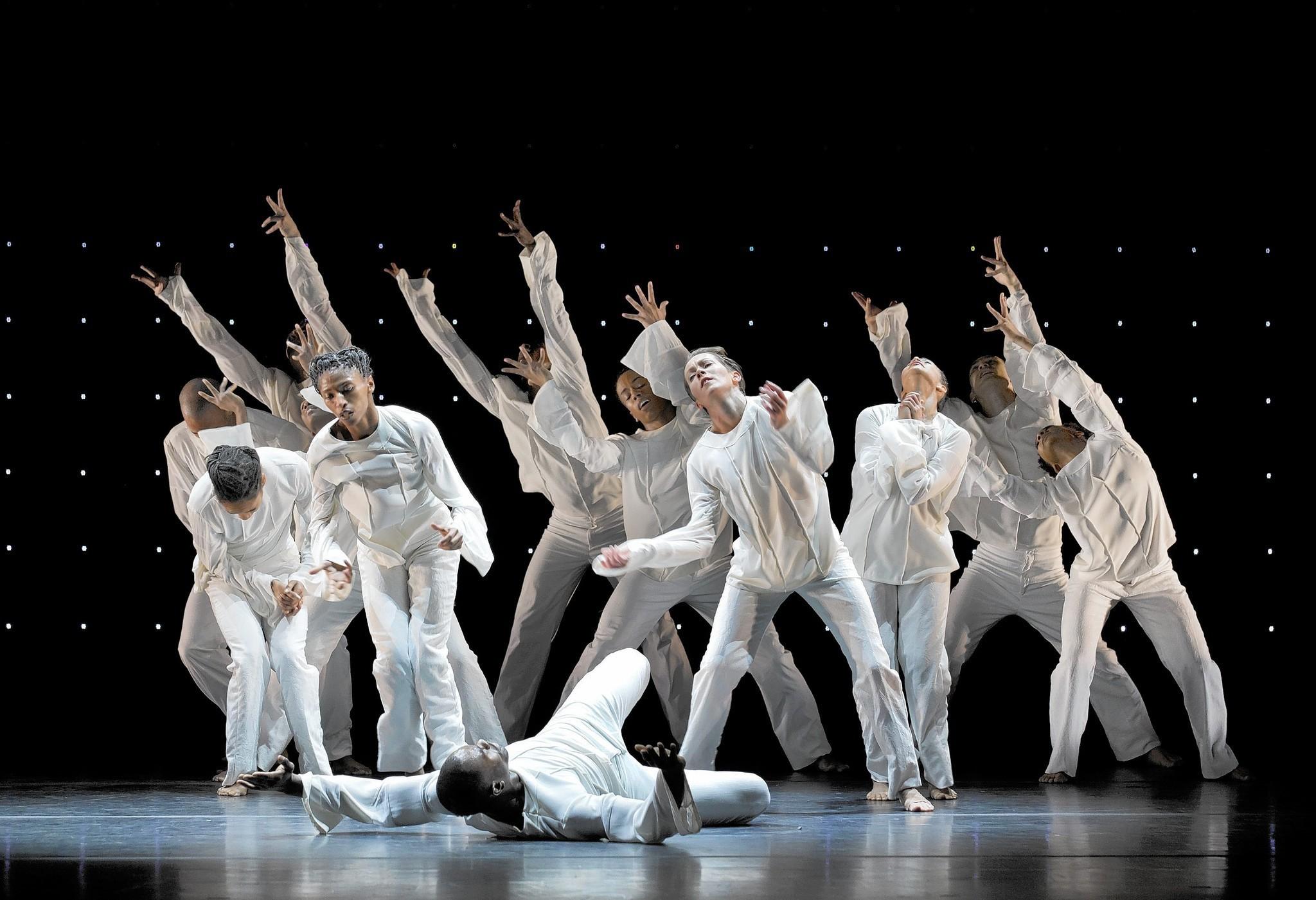 Chicago Dance Review: AMERICAN LEGENDS (Joffrey Ballet at