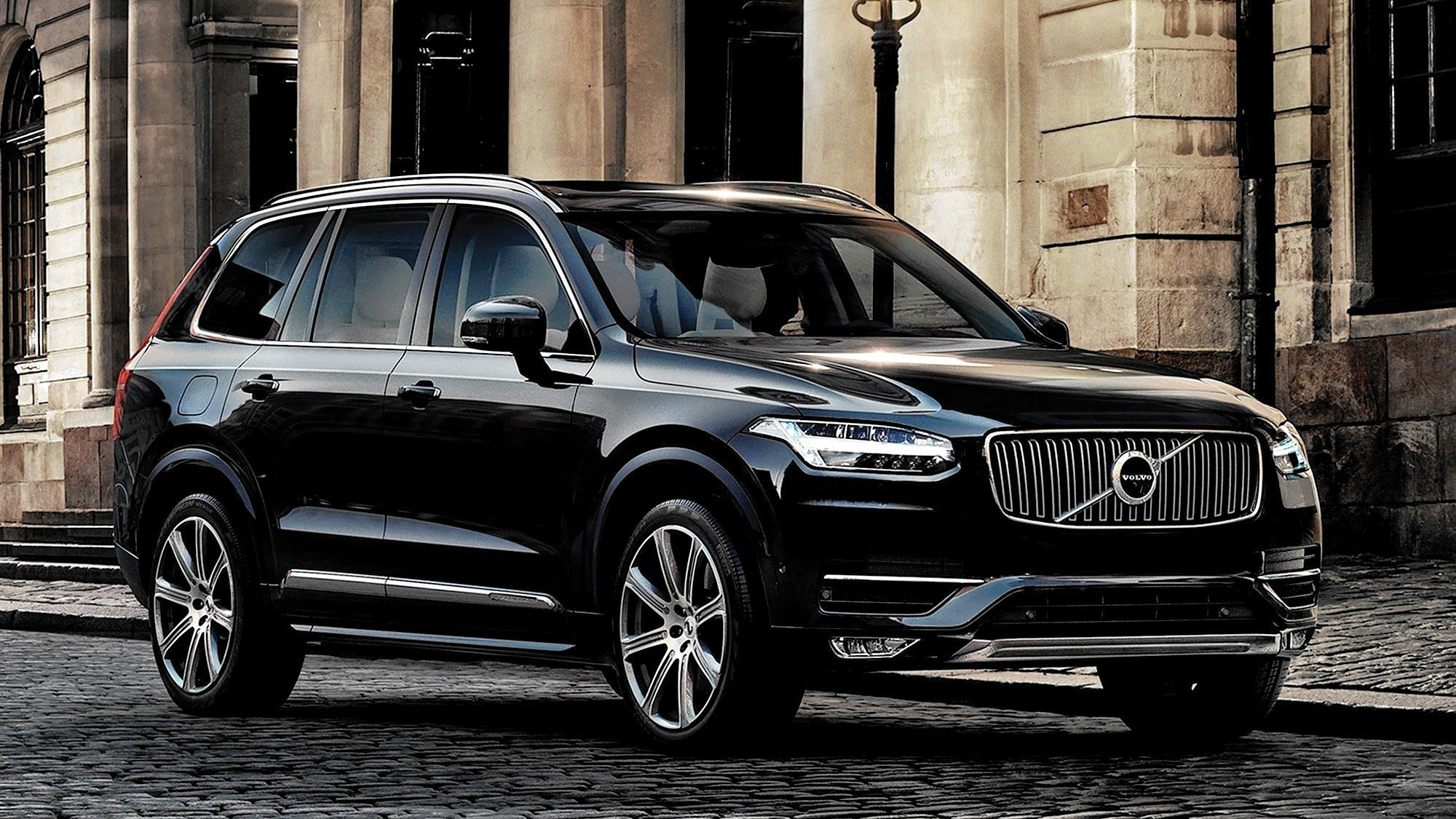 volvo 39 s xc90 suv is really a pricey swedish minivan la times. Black Bedroom Furniture Sets. Home Design Ideas