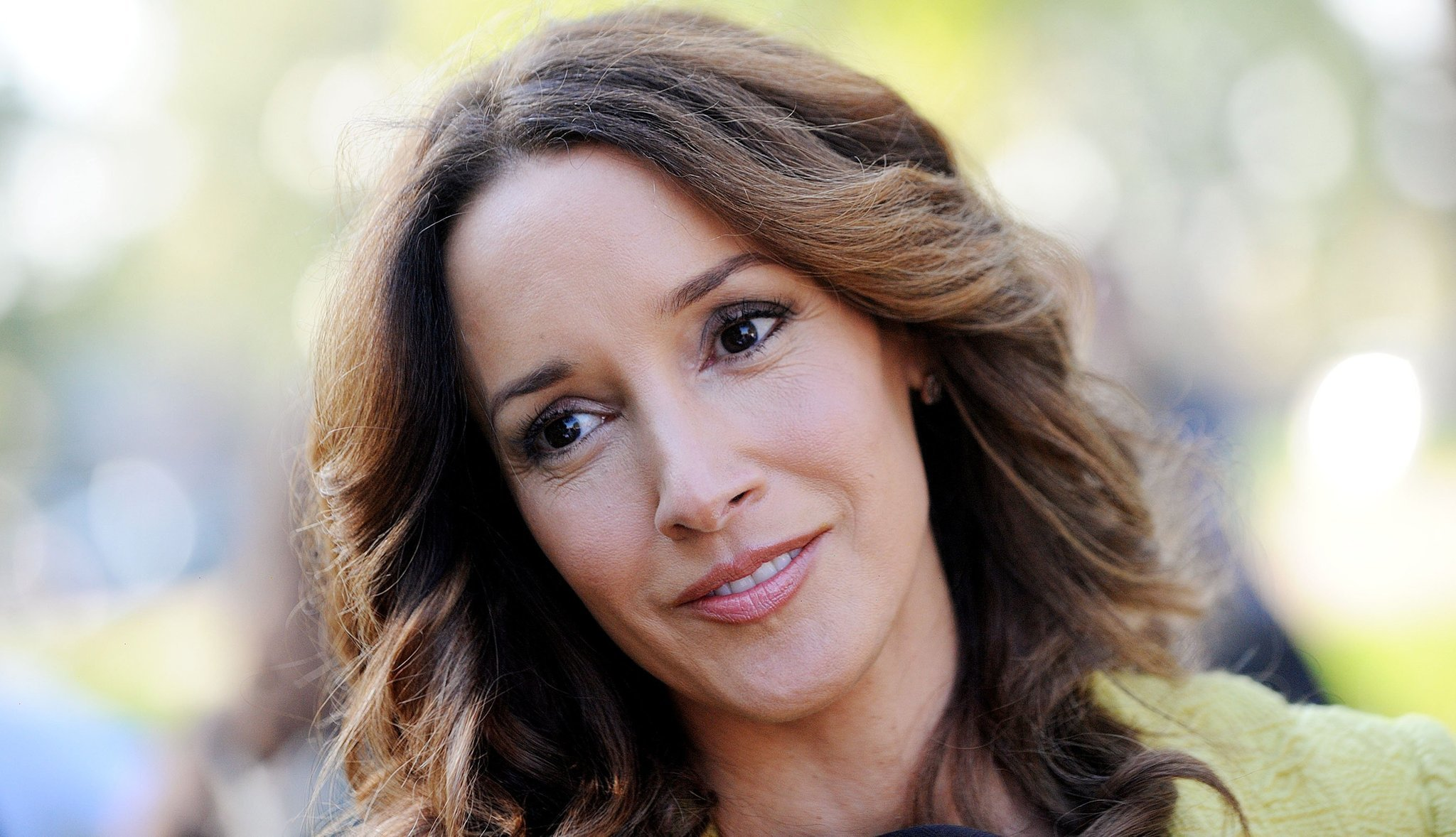 Jennifer Beals Nude Photos 30